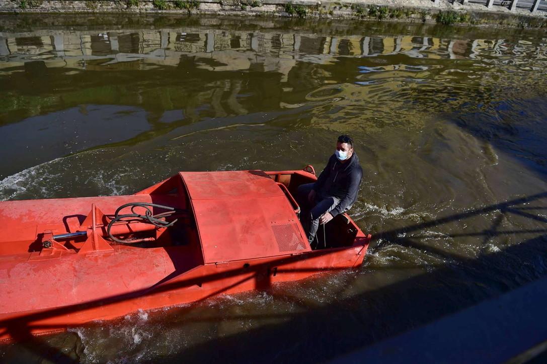Milano si prepara alla ripartenza, lavori in città durante il lockdown
