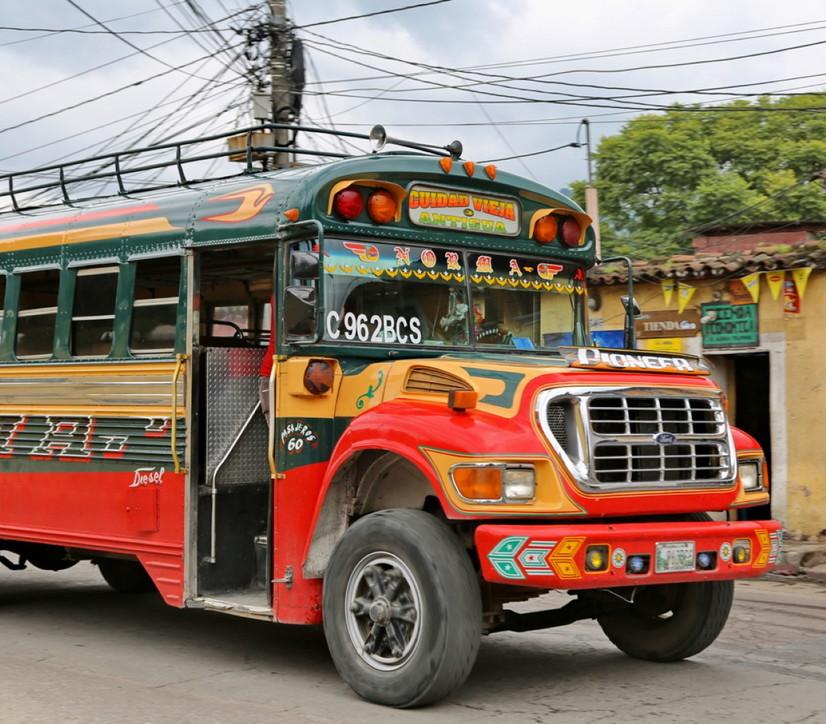 Donnavventura: il Guatemala e i colori sgargianti delle sue Camionetas