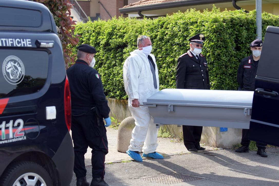 Femminicidio nel Milanese, l'intervento dei carabinieri