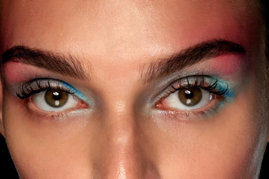 Trucco occhi, fase 2 e bellezza: il make up con la mascherina