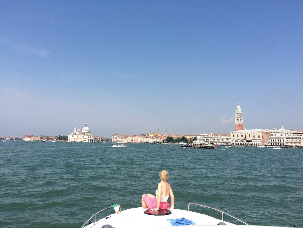 Vacanze in sicurezza navigando in houseboat