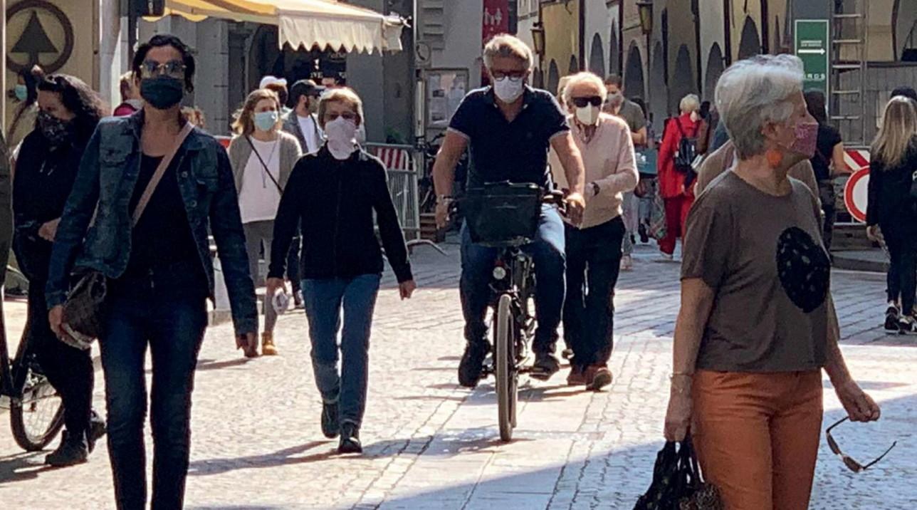Fase 2, a Bolzano primo giorno con negozi apertidopo il lockdown
