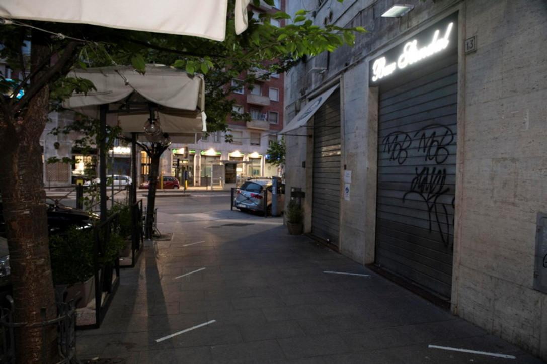 Fase 2, i bar di Milano e Roma tornano ad aprire al pubblico