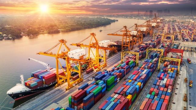 Il Coronavirus fa tremare i porti italiani: meno merci e più cinesi nella gestione dei terminal container