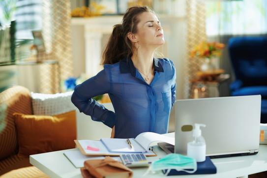 Yoga e stretching contro il mal di schiena da computer