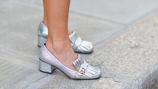 Scarpe donna 2020, non solo sneakers: i modelli anti mal di piedi