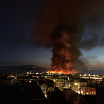 Usa, incendio nel celebre quartiere Fisherman's Wharf di San Francisco