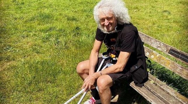 """Brian May colpito da attacco di cuore: il chitarrista dei Queen """"a un passo dalla morte"""""""