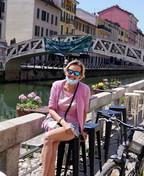 Fase 2, a Milano sui Navigli si usa il parapetto come tavolo