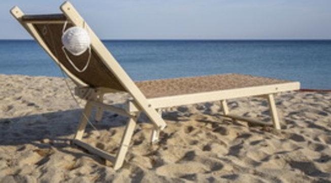 Spiaggia libera: 1 italiano su 2 è favorevole alla prenotazione