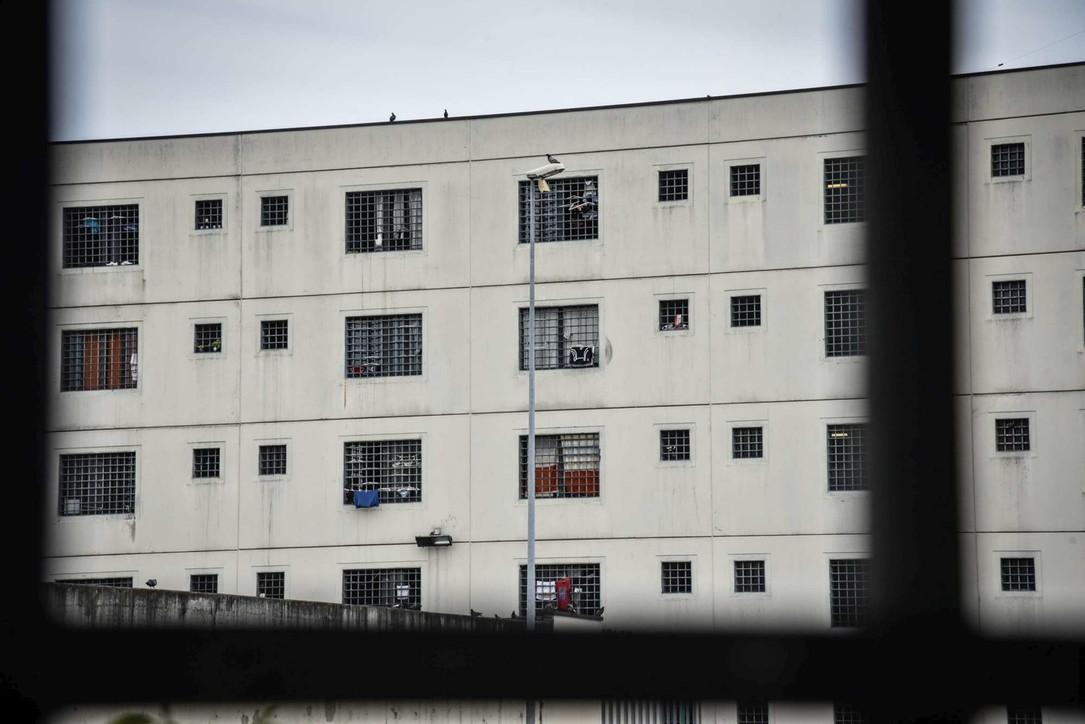 Nel carcere di Bollate la maxi produzione di mascherine anti Covid-19