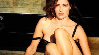 """Luisa Ranieri bollente: la sua """"Fase 1, 2, 3"""" è super sexy"""