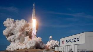 SpaceX, storia della compagnia che ci porterà presto in viaggio su Marte