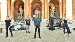 Nek presenta il suo disco con un concerto in piazzale della Rosa a Sassuolo