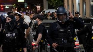 Floyd, a Detroit spari sui manifestanti durante le proteste