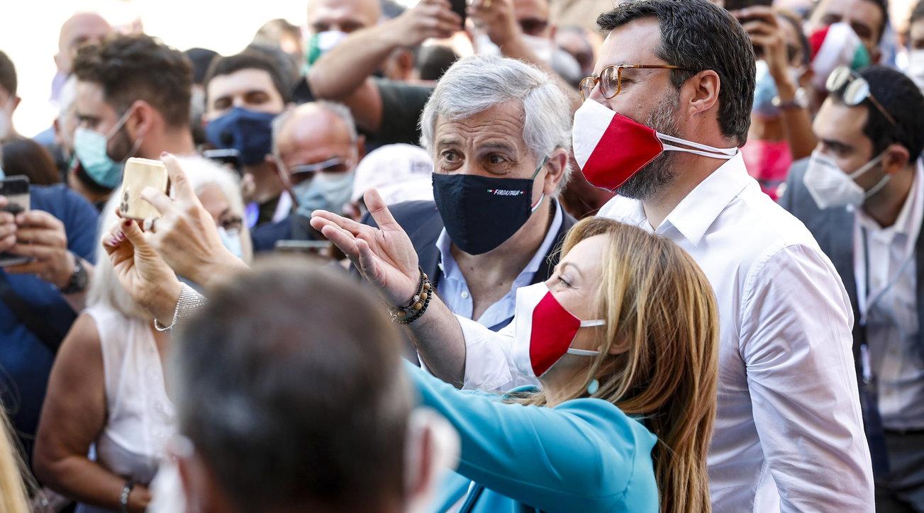 2 Giugno, folla al corteo del centrodestra a Roma