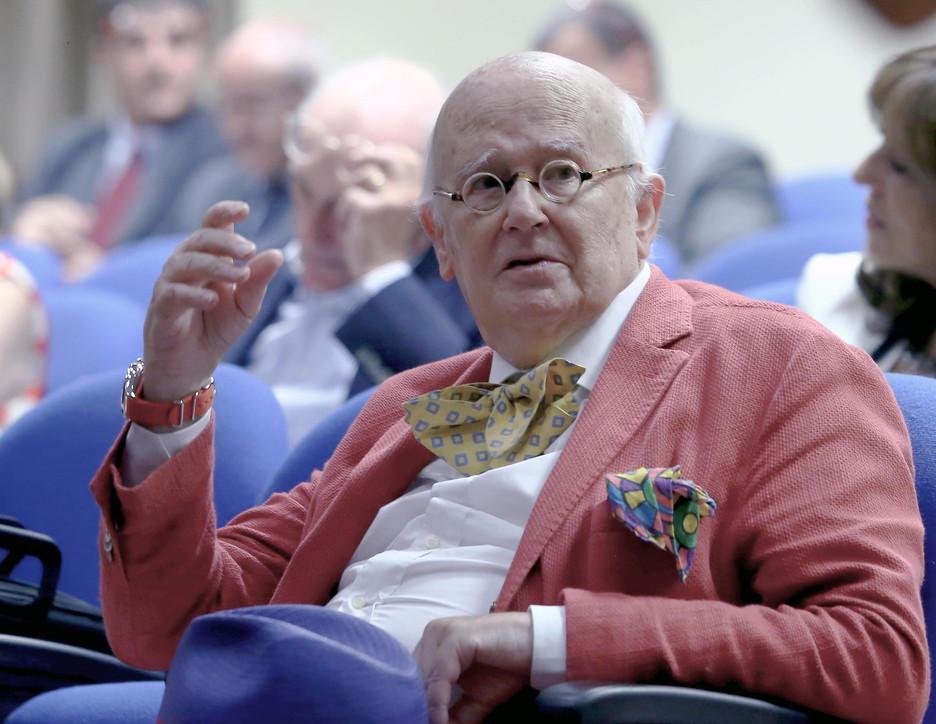 Milano, morto a 82 anni lo scrittore e giornalista Roberto Gervaso