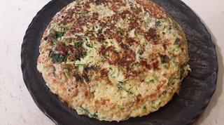 Frittata con cipollotti, zucchine e spinacini