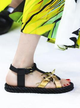 Moda donna, sandali bassi estate 2020: guida ai modelli 'top'