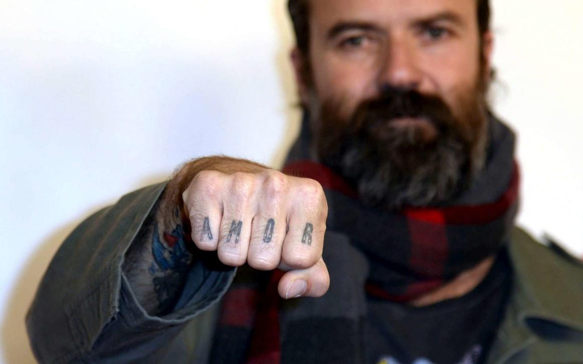 E' morto il cantautore e chitarrista spagnoloPau Donés, leader deiJarabe de Palo