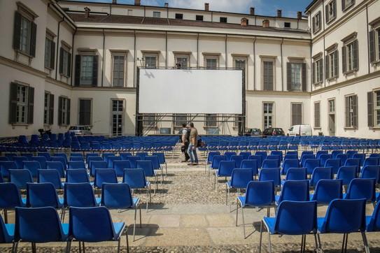 Fase 3, a Milano torna il cinema all'aperto davanti a Palazzo Reale