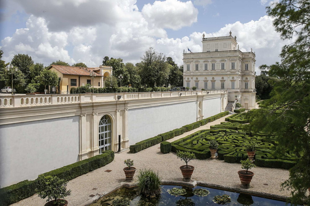 """Roma, Conte apre gli Stati generali a villa Pamphilj: """"Investire nella bellezza dell'Italia"""""""