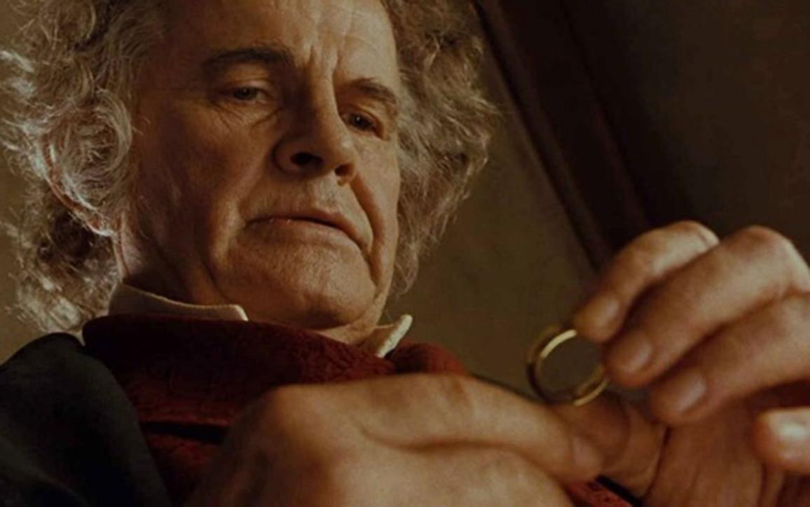 """Addio a Ian Holm, il Bilbo Baggins de """"Il Signore degli Anelli"""""""
