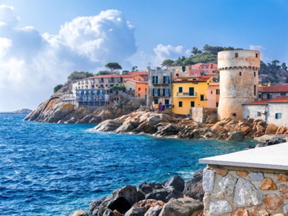 Giglio incantevole: spiagge, mare, sole e shopping