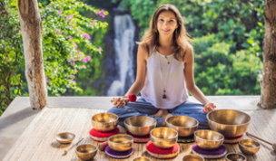 Sound meditation, il rimedio delle star per ritrovare energia e concentrazione
