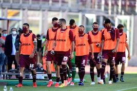 """Terremoto Livorno: Spinelli """"caccia"""" 10 giocatori. Giocherà la Primavera"""