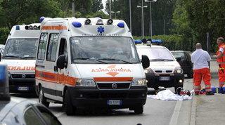 Gatteo, in scooter si schiantano contro un camion: morti padre e figlia