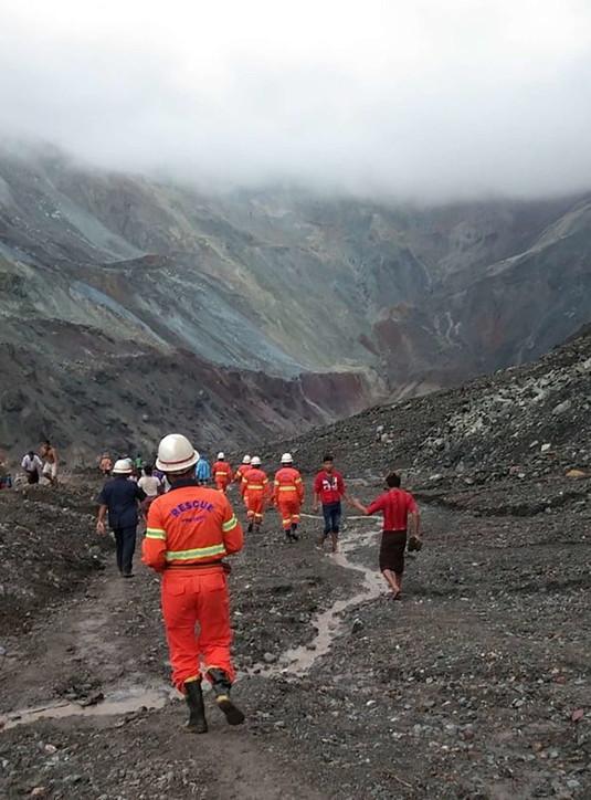 Ondata di fango travolge miniera in Myanmar: è strage
