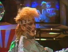 """Buon compleanno Donatella Rettore: eccola a """"Superclassifica Show"""" nel 1982"""
