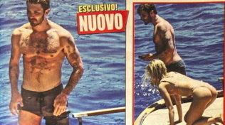 Stefano De Martino, gita in alto mare con la bionda