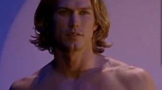 Guarda come si è trasformato Jason Lewis, il biondo amante di Samantha in