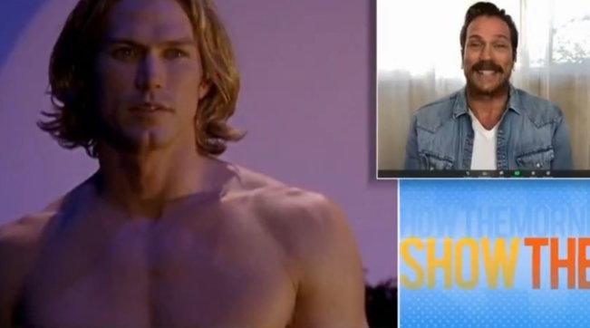 """Jason Lewis di """"Sex and the City"""" si è... trasformato"""