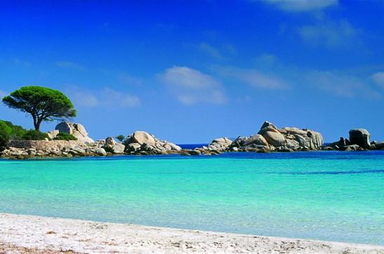 Corsica, un'isola per chi ama mare, montagna e sport