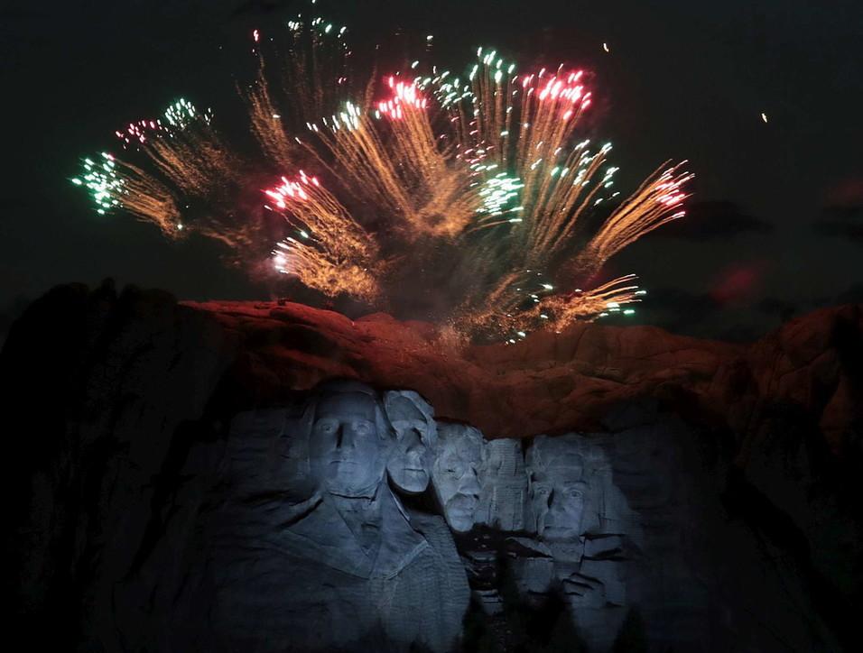 Independence Day, il comizio di Trump al Monte Rushmoreper il 4 luglio