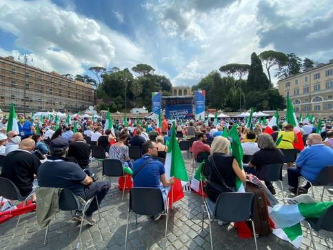 Roma, la manifestazione del centrodestra a Piazza del Popolo
