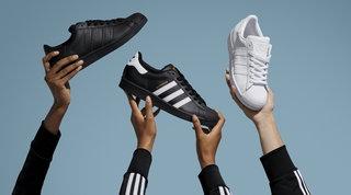 Uomo, grandi classici e special edition: le sneakers estive su cui investire