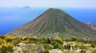 Salina, il cuore verde delle isole Eolie