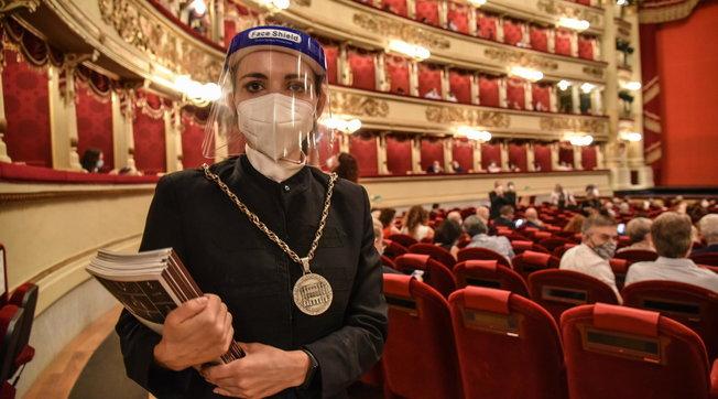 Dopo 130 giorni riapre il Teatro alla Scala, Meyer accoglie tutti: