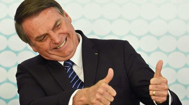 Bolsonaro fa il test per il coronavirus: ha i sintomi della malattia