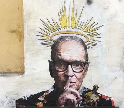 Addio a Morricone, il murale del Maestro nella sua Trastevere