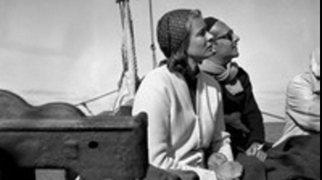 """Sull'isola dove scoccò l'amore traIngrid Bergman e Rossellini: le foto in """"Stromboli 1949"""""""