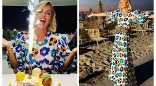 Martina Colombari compie 45 anni, compleanno in spiaggia
