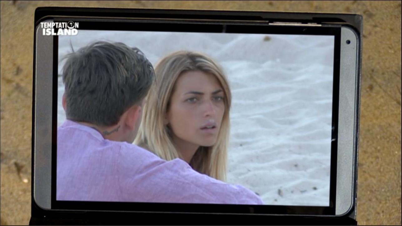 Temptation Island, il quasi bacio tra Valeria e il single Alessandro