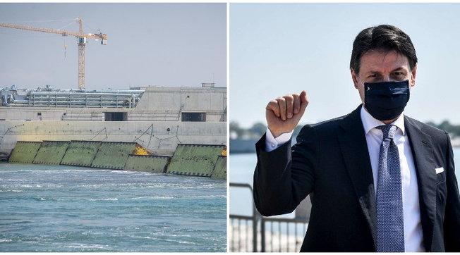 Mose, test superato   Battaglia navale tra antagonisti e forze dell'ordine   Le foto