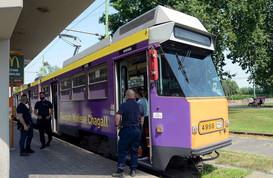 Milano,aggredisce il conducente di un tram e si mette alla guida