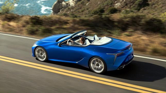 L'eccellenza di stile della cabrio Lexus
